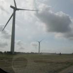 По дороге очень часто встречаем ветряные мельницы. Размеры впечатляют!