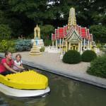 """В """"Леголэнде"""" есть несколько тематических зон для детей. Этот водный канал - для самых маленьких."""