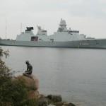 Копенгаген. Бедная Русалочка под защитой кораблей НАТО